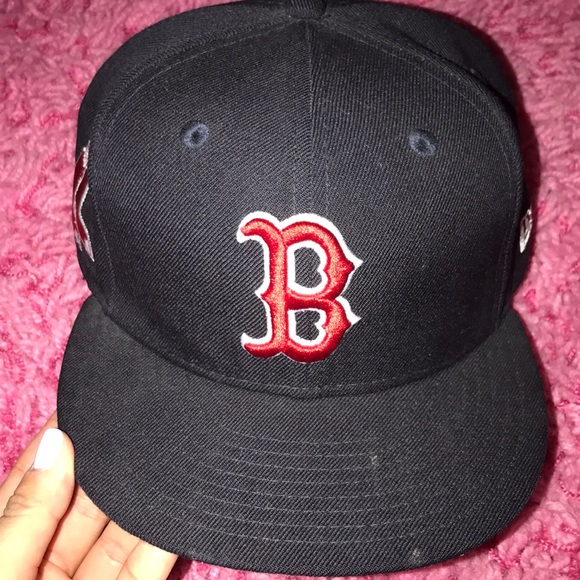 Boston Red Sox Medium Large SnapBack Hat fb345811ae2